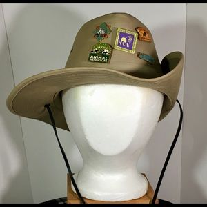 Walt Disney World Safari Hat With 5 Pins